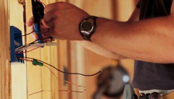 Как правильно провести ремонт электропроводки в квартире