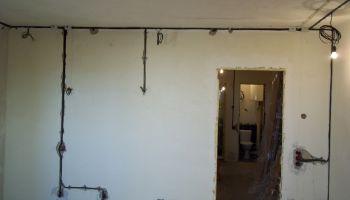 Прокладка и замена проводки в однокомнатной квартире