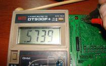 Проверка микросхемы мультиметром и специальным тестером